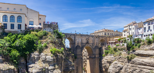 Fototapete - Panorama of the historic Puente Nuevo bridge in Ronda, Spain