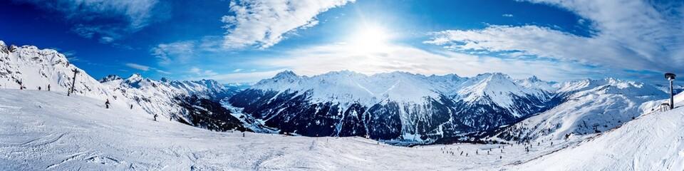 Fotobehang Alpen Slope in the winter sport destination St Anton