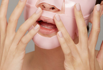 Detail image facial mask treatment