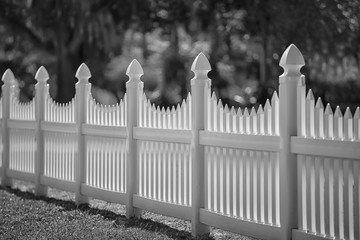 Monochrome White Scalloped Vinyl Picket Fence