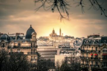 Altstadt Paris mit Blick auf Sacré Cœur de Montmartre