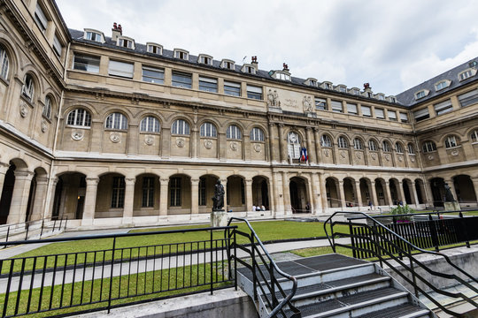 Faculty of Pharmacy, Paris Descartes University