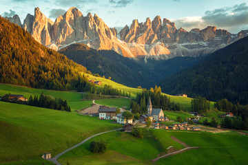 Fotobehang Alpen Santa Maddalena village in front of the Geisler or Odle Dolomites Group , Val di Funes, Italy, Europe.