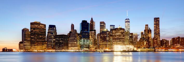 Fotomurales - Panorama of New York City, USA skyline at night
