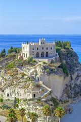 Foto auf AluDibond Beige Santuario di Santa Maria dell'Isola sul promontorio - Tropea (VV)