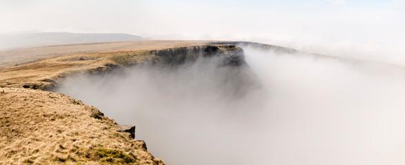 UK, Wales, Brecon Beacons, Bannau Sir Gaer Ridge