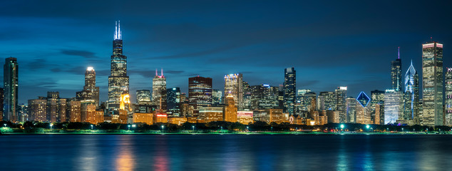Canvas Prints Chicago Chicago skyline by night