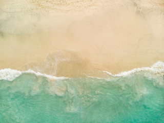Autocollant pour porte Plage beach with turquoise sea water and palm trees, aerial drone shot, Top view of beautiful white sand