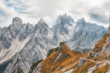 Wall Mural - am Gipfel in den Bergen