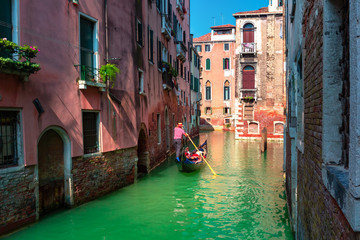 Türaufkleber Gondeln Gondolas on Canal in Venice, Italy