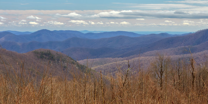 Scenic view of the Blue Ridge mountains from an overlook along the Blue Ridge Parkway near Wintergreen Resort, Virginia