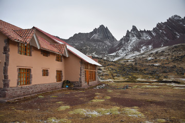 Huampococha Tambo lodge on the Ausungate trail by Andean Lodges. Cusco, Peru