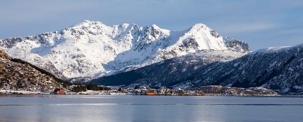 Winterlandschaft bei Sennesvika auf den Lofoten