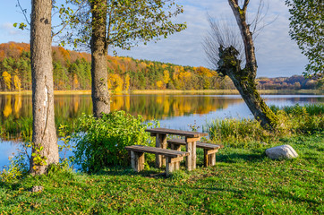A place of rest on the shore of Lake Komorze