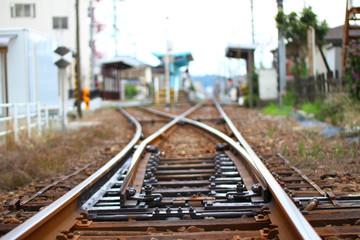 Foto auf AluDibond Eisenbahnschienen 2本に分岐する線路 (福井県、福井市、えちぜん鉄道)