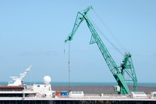 The Crane serving The Cruise Ship in Grand Bahama Island Port
