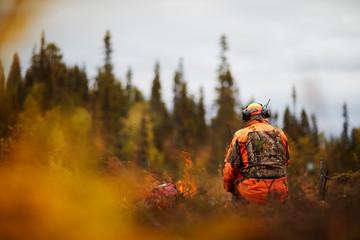 Man elk hunting