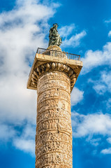 Fototapete - The Column of Marcus Aurelius in Piazza Colonna, Rome, Italy