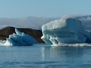 Jökulsárlón is a large glacial lake in southeast Iceland, on the edge of Vatnajökull National Park.
