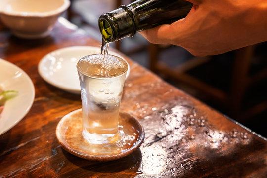 よく冷えた美味しそうな日本酒
