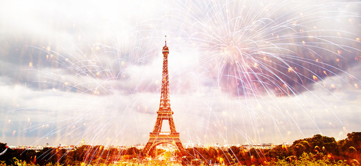 Poster Eiffeltoren romantic New Year destination Eiffel tower with fireworks Paris, France