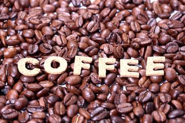 コーヒー豆とCOFFEEの文字
