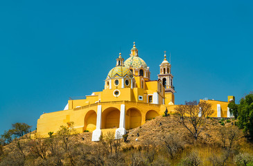 Fotorollo Blau Jeans Church of Our Lady of Remedies in Cholula, Mexico