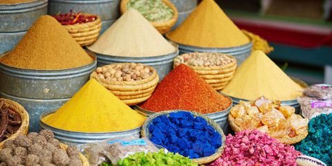 Deurstickers Marokko Selection of spices on a Moroccan market