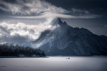 Foto op Plexiglas Donkergrijs Winter Mountain Scene with Ice Fishermen at Grand Tetons National Park, Wyoming