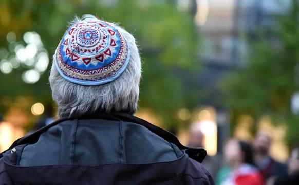 Jude mit Kippa auf einer Demonstration