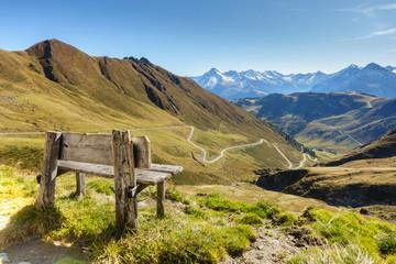 Wall Mural - Rastbank mit herrlicher Aussicht im Zillertal in Tirol