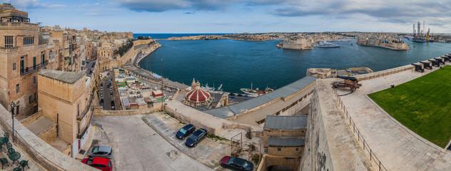 Panorama of the Grand Harbour in Malta Fototapete