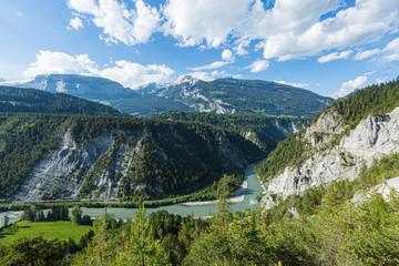 Zug der rhätischen Bahn, Rheinschlucht, Ruinaulta, Graubünden, Schweiz, Europa