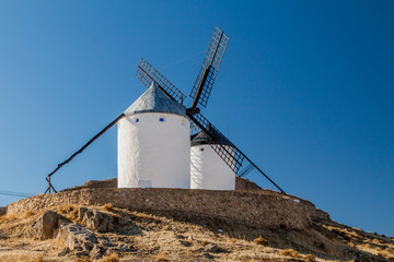 Autocollant pour porte Moulins Old windmills located in Consuegra, Spain
