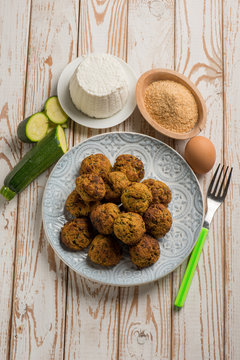 vegetarian meatball with zucchinis and ricotta