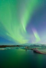 Foto op Aluminium Noorderlicht Northern lights, Jokulsarlon glacier lagoon, Southern Iceland, Iceland, Europe