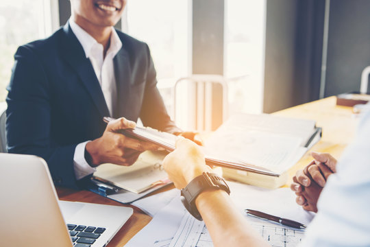 Investors get money from investors in the insurance business with the bank, businessman get money concept, bank customers come to negotiate a loan to invest