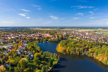 Aussicht auf die Stadt Templin in der Uckermark, Land Brandenburg im Herbst