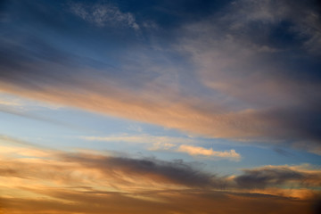 Foto op Plexiglas Ochtendgloren colorful dramatic sky with cloud at sunset