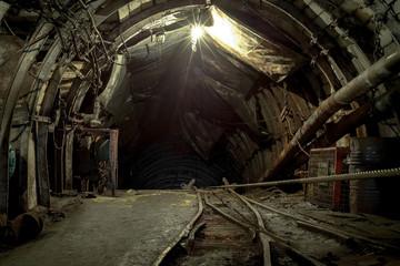 Photo sur Plexiglas Les vieux bâtiments abandonnés abandoned coal enterprise, underground mining