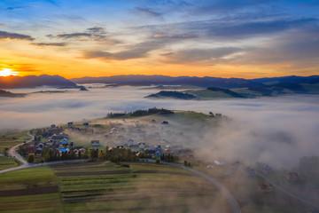 Obraz Sunrise mountain landscape, panorama Pieniny - fototapety do salonu