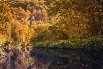 Aussichtspunkt Diederichstempel bei Solingen-Burg im Bergischen Land im Herbst, Deutschland