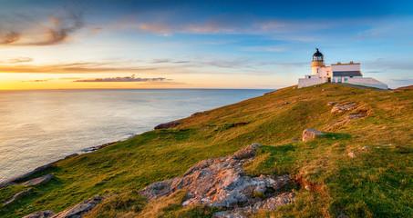 Fototapete - Sunset at Stoer head lighthouse in Scotland