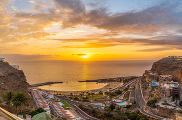 Wall Mural - Amazing landscape with sunset at Amadores beach on Gran Canaria, Spain