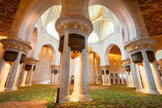 Sheikh Zayed Grand Mosque interior