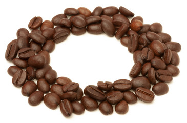 Poster de jardin Salle de cafe Coffee beans in form of ring. Isolated on white. Perspective. Coffee background.