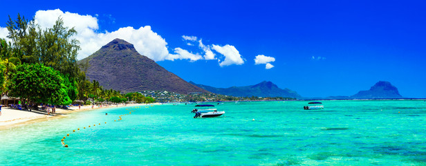 Foto op Plexiglas Donkerblauw Beautiful Mauritius island with gorgeous beach Flic en flac