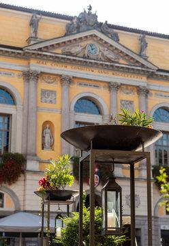 Piazza Riforma e Municipio di Lugano