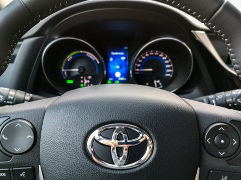 toyota steering wheel controls and car dashboard