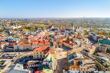 Lublin - Brama Krakowska, ratusz i katedra widziane z lotu ptaka. Jesień w mieście.